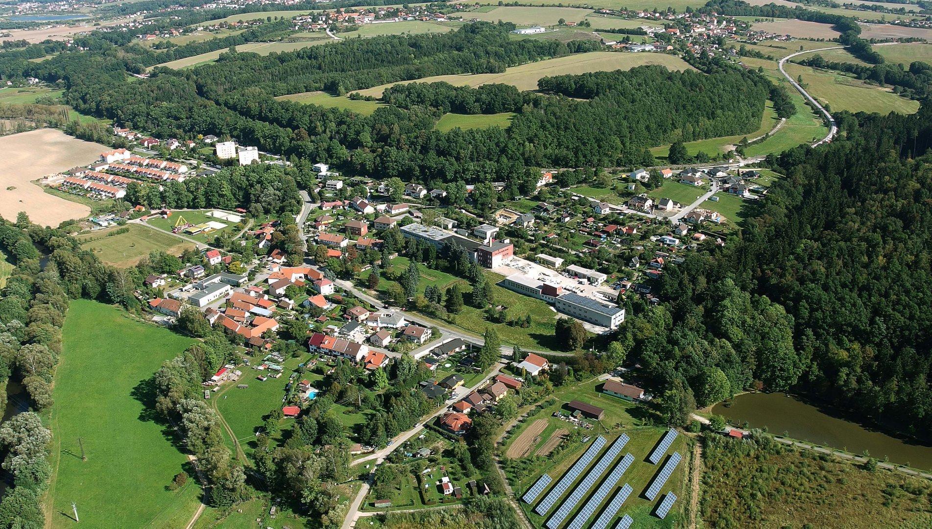 Letecký pohledn na obec Vidov